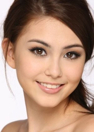 Hannah Quinlivan in Heart of Steel Taiwanese Drama (2015)