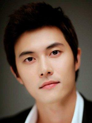 Hyun Kyoon Lee