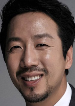 Jung Kyung Hoon in Mafia Game Korean Movie (2018)