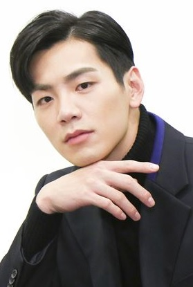 Bruce He in A Good Day Taiwanese Drama (2016)