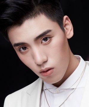 Zi Yi Wang