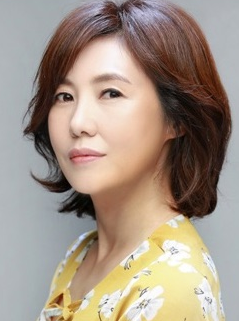 Shin Young Jin in Mother's Choice Korean Special (2014)