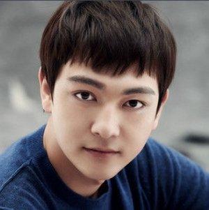 Xiao Qian Zhang