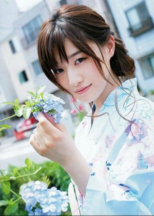 中田花奈の着物画像