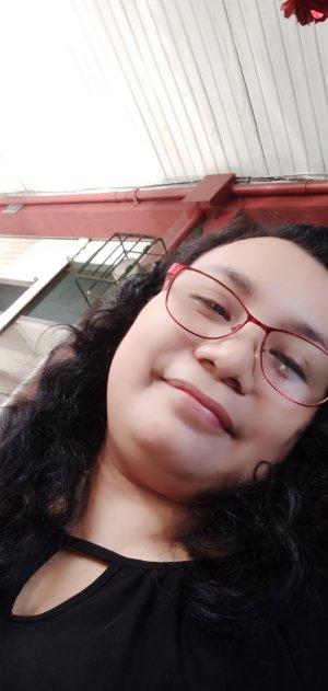 YanaLhie