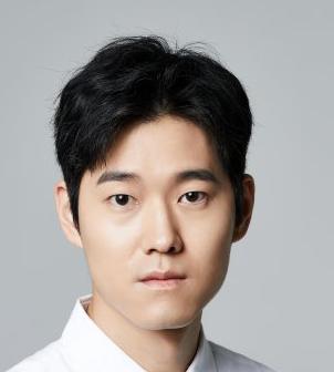 Yoon Se Hyun in Hearty Paws 2 Korean Movie (2010)
