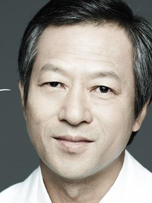 Choi Il Hwa in The Showdown Korean Movie (2011)