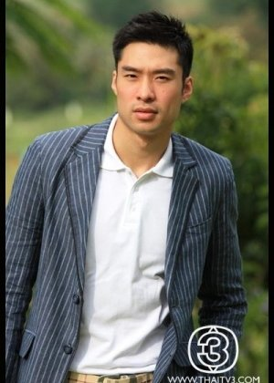 Yuan Nithichai Yotamornsunthorn in Present Perfect Thai Movie (2014)
