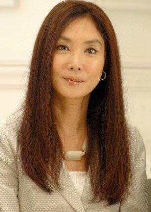 Asano Atsuko in Freeter, Ie o Kau. Japanese Drama (2010)
