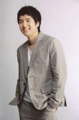 Chan Woo Hwang