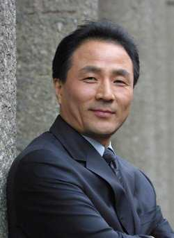 Myung Gon Kim