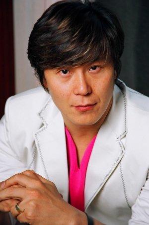 Jung Yong Lee
