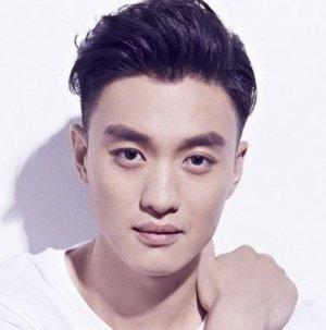 Yi Wei Zhou