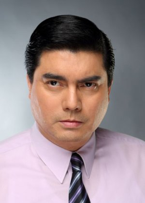 Lloyd Samartino in Paano Na Kaya Philippines Movie (2010)