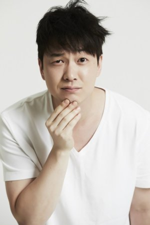 Min Woong Lee