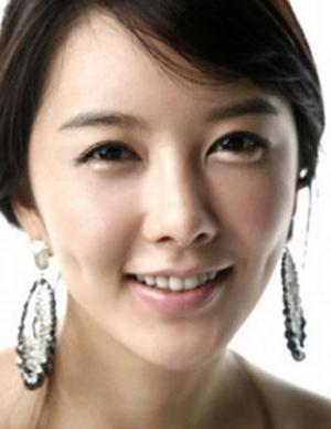 Hwang Jung Seo in Apgujeong Midnight Sun Korean Drama (2014)