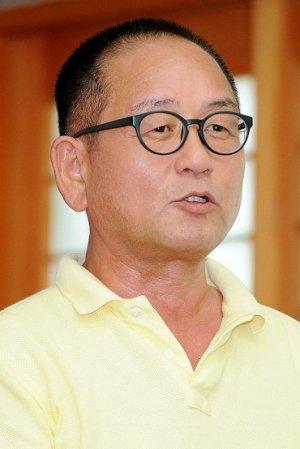 Kyung Jin Min