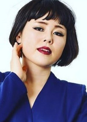 Buruzon Chiemi in Hito wa Mita Me ga 100% Japanese Drama (2017)