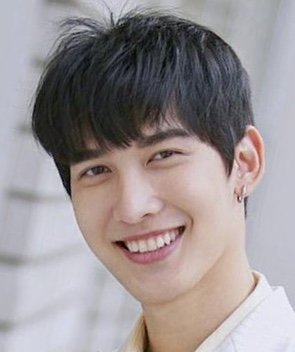 Feng Yu Xi in The War for Light Chinese Drama (2020)
