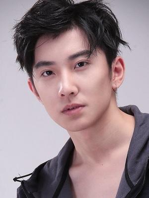 Zhong Zheng in Mu Guang Zhi Tong Chinese Drama (2016)