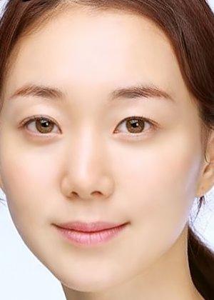 Lee Yoo Young in The Treacherous Korean Movie (2015)