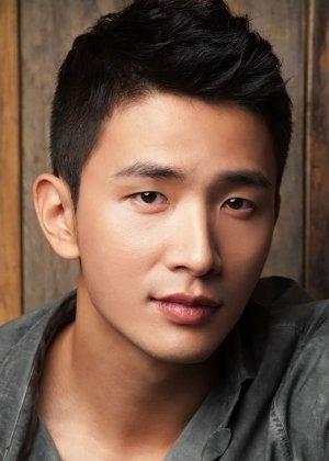 Lee Yong Joo in Blue Tower Returns Korean Drama (2013)