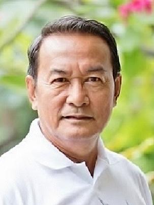 Hmu Sompob Benjathikul in Kleun Sanaeha Thai Drama (1983)