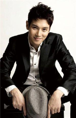 Yoon Suk Hwang