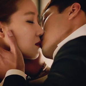 The Master's Sun Episode 9