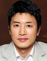 Jung Gi Sung in Public Enemy Korean Movie (2002)