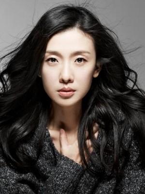 Ni Jing Yang in Eighteen Year Old Sky Chinese Drama (2002)