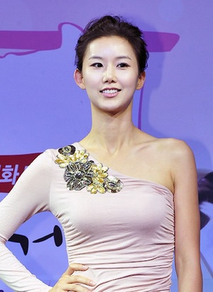 Hwang Hyun Hee in Flower Boy Ramen Shop Korean Drama (2011)