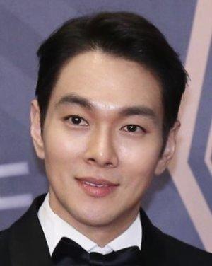 Jin Jung Pyo (Love Needs a Miracle)