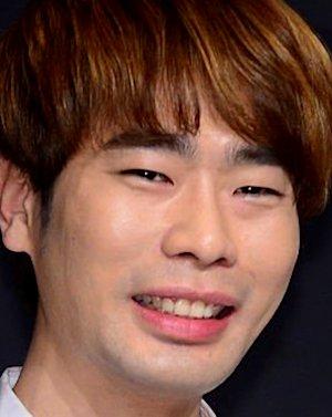Yong Un Lee