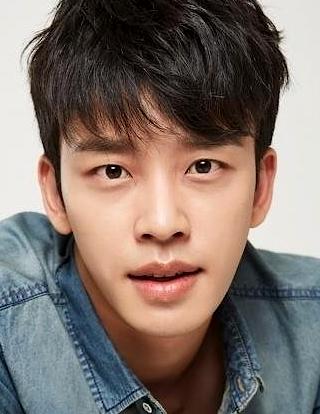 Seol Jung Hwan in Unasked Family Korean Drama (2019)