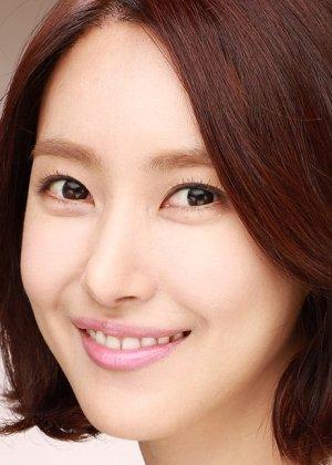 Kim Yun Seo in The Eccentric Daughter-in-Law Korean Drama (2015)