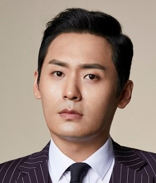 Choi Dae Hoon in Heart Surgeons Korean Drama (2018)