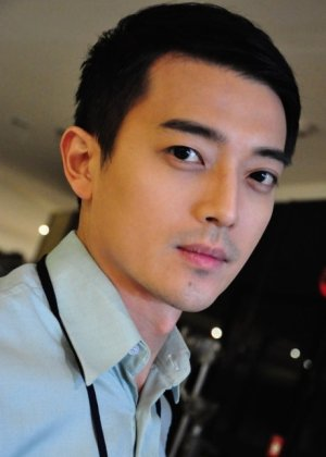 Jenson Tian in In Love With A Rich Girl Taiwanese Drama (2004)