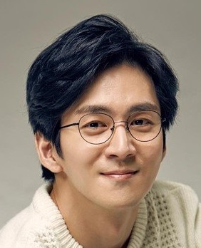 Kwon Hae Sung in It's Okay Because You Are My Dad Korean Movie (2019)
