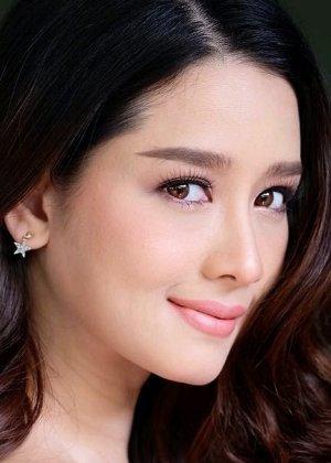 Mo Amena Pinit in Nee Kiattiyot Thai Drama (2020)