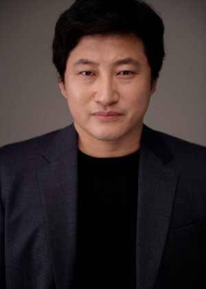 Jin Woo Park