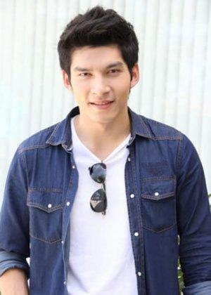 Surint Karawoot in Saeng Tian Thai Drama (2016)