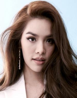 Grace Karnklao Duaysienklao in 3 A.M. 3D Thai Movie (2012)