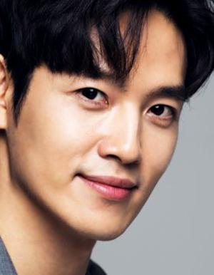Jung Sung Hoon in Very Bad Moon Rising Korean Movie (2017)