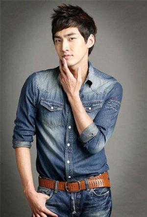Min Hyun Baek