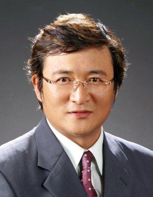 Hyung Wook Yang