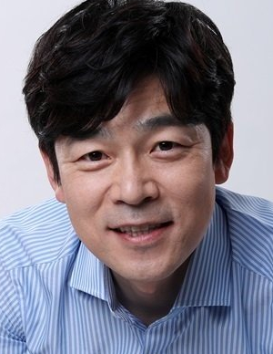 Lee Seung Jun in Nine: Nine Times Time Travel Korean Drama (2013)