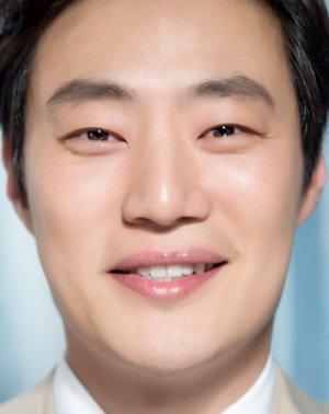 Hee Joon Lee