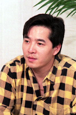 Lee Kyung Ho in Daewongun Korean Drama (1990)