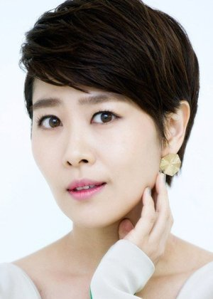 Kim Ji Young in Modern Family Korean Movie (2012)